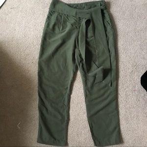 Pants - Drapey cropped wide leg pants.size 6.